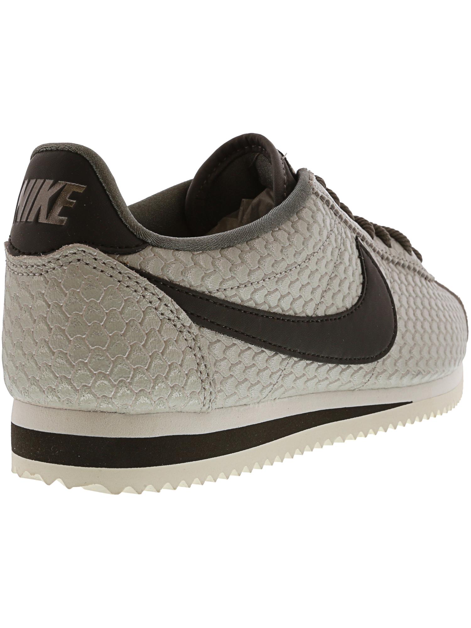 Nike Women's Classic Cortez Cortez Cortez Se Ankle-High Fashion Sneaker bccade