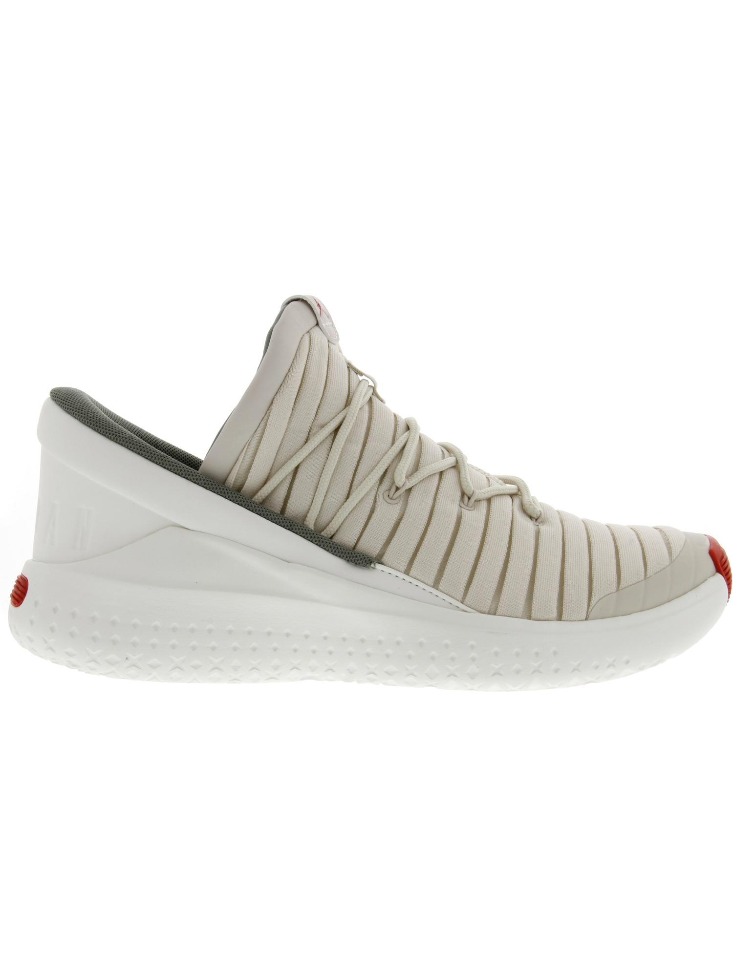 7d6cc6ae6ab7 Nike Men s Jordan Flight Luxe Ankle-High Fabric Basketball Shoe